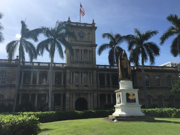 Aliiolani Hale and King Kamehameha statue! Love this building...