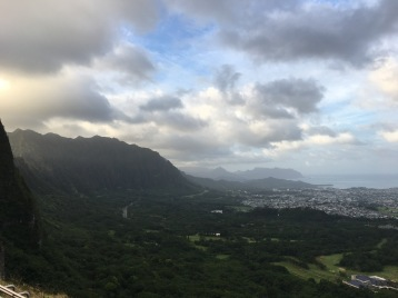 The famous Nu'uanu Pali Lookout.